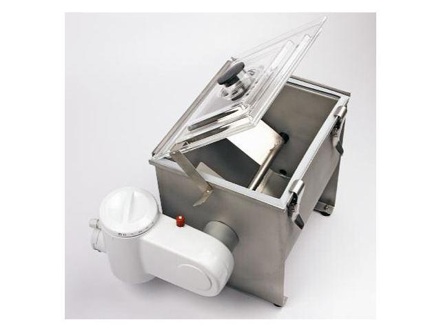 Buttermaschine FJ 10 elektrisch betrieben. Hier zu sehen: Die alte Version der beliebten Kleinbuttermaschine für die Verarbeitung kleiner Rahmmengen.